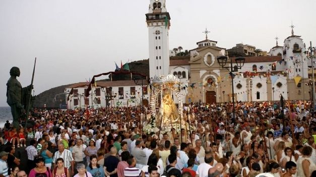 Pilgrims from South America in Candelaria, Tenerife